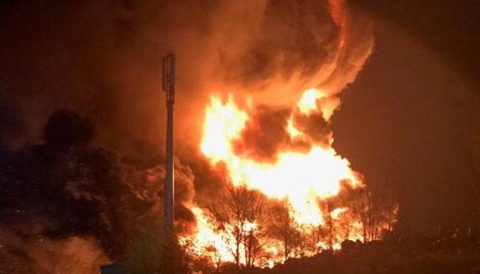بریڈ فورڈ میں ٹائروں کے گودام میں آتشزدگی