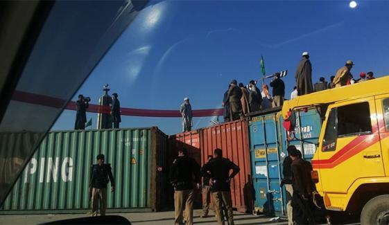پشاور میں پی ڈی ایم کے جلسے کی تیاریاں، کنٹینر پہنچا دیے گئے