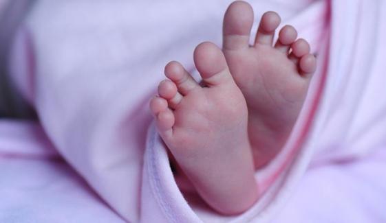دوحا ایئرپورٹ سے ملنے والے نومولود کے والدین کی شناخت