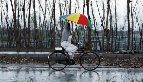 بلوچستان میں کل سے جمعرات تک  بارش اور برف باری متوقع