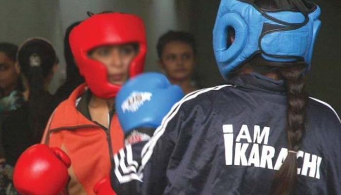 کراچی: وویمن باکسنگ پہلے دن15 میچز کے فیصلے