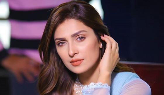 عائزہ خان کی عوام کو فیس ماسک پہننے کی تلقین
