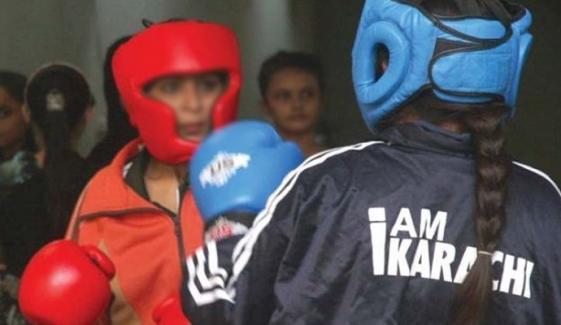 کراچی: ویمن باکسنگ پہلے دن15 میچز کے فیصلے