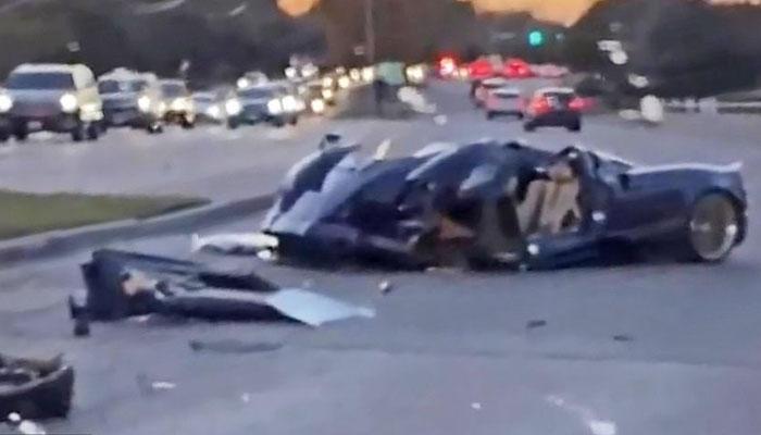 یوٹیوبر نے 25 کروڑ سے زائد مالیت کی گاڑی تباہ کردی