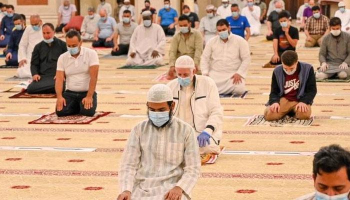 یو اے ای، مساجد میں نمازِ جمعہ کی ادائیگی کی اجازت
