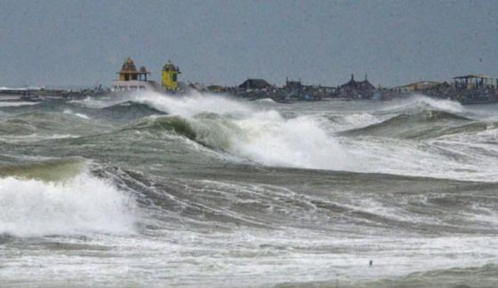 خلیج بنگال: سمندری طوفان 'نوار' شدت اختیار کرگیا