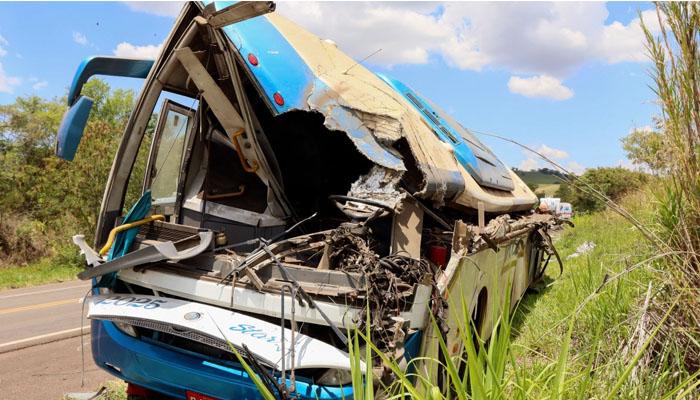 برازیل : بس اور ٹرک کا خوفناک تصادم، 37 افراد ہلاک