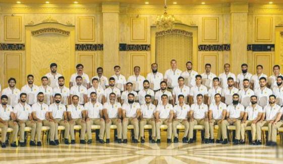 پاکستان کرکٹ ٹیم کے اسکواڈ میں شامل 6 ارکان کورونا وائرس کا شکار