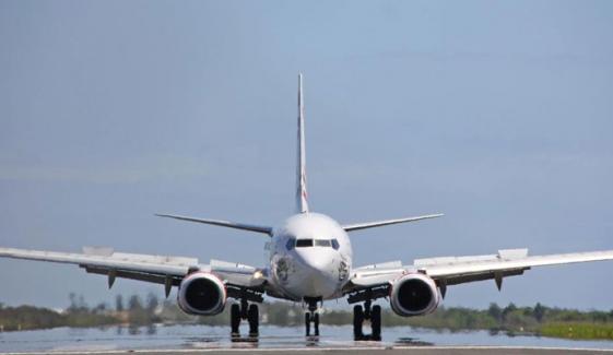 کورونا کی دوسری لہر کے باعث پروازوں میں کھانے، مشروب پر پابندی