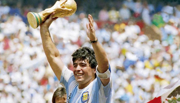 ارجنٹینا کے لیجنڈ فٹبالر ڈیاگو میراڈونا سپردخاک