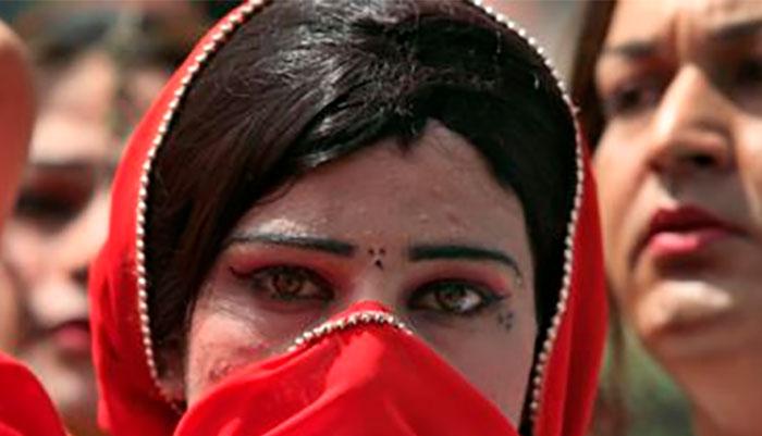 کے پی اسمبلی : خواجہ سراؤں کو حج و عمرہ کی اجازت سے متعلق قرارداد جمع