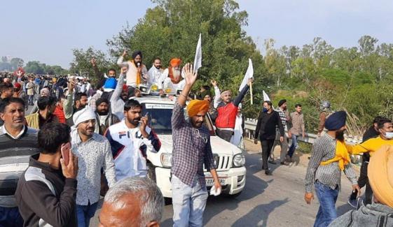 بھارت میں'دہلی چلو' احتجاج جاری