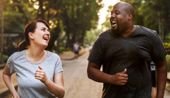 کورونا ویکسین موٹاپے کا شکار افراد کو پہلے دینے کا فیصلہ