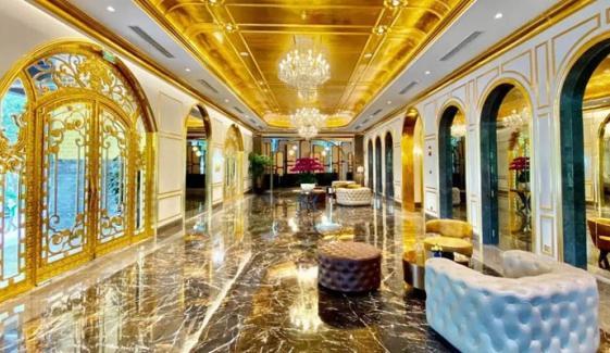 ویت نام میں سونے سے ہوٹل بنا لیا گیا