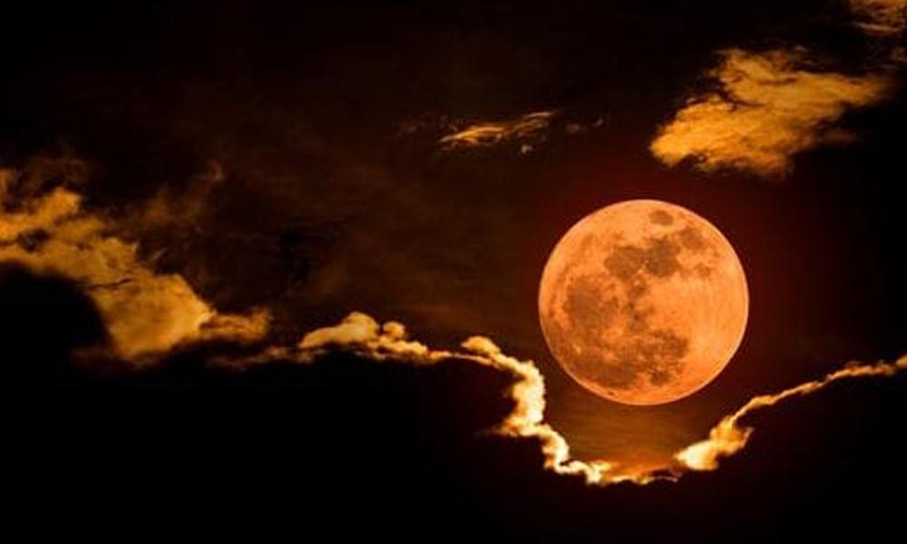 2020ء کا آخری چاند گرہن کل ہوگا