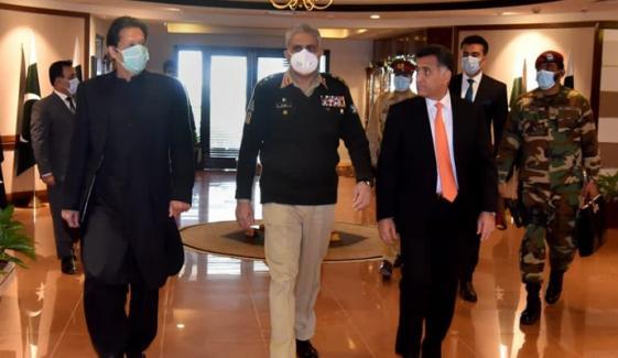 وزیراعظم عمران خان کا آئی ایس آئی ہیڈ کوارٹرز کا دورہ