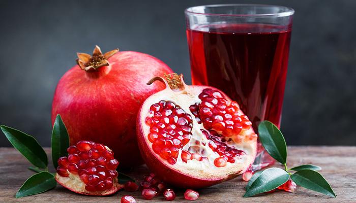 سردیوں کے پھل 'انار' کے بے شمار فوائد