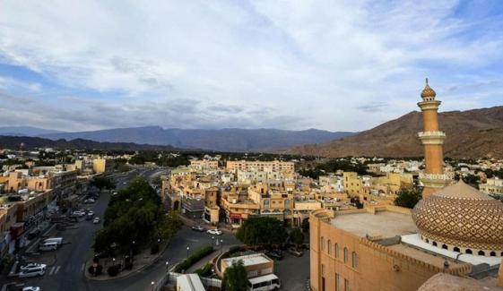 عمان نے محدود پیمانے پر سیاحتی ویزوں کی بحالی کا عندیہ دیدیا