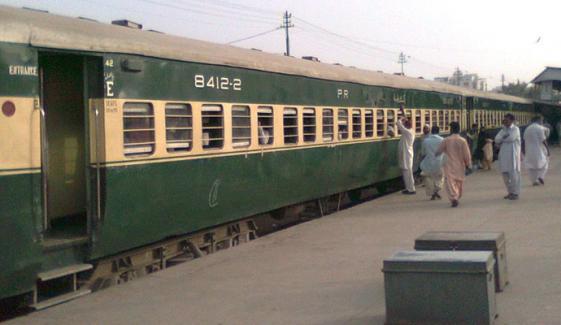 کراچی سے اندرون ملک جانے والی 2 ٹرینیں بوجوہ منسوخ