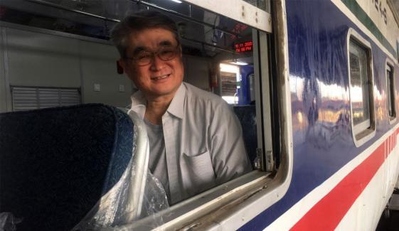 قونصل جنرل جاپان کا کراچی سرکلر ٹرین پر سفر