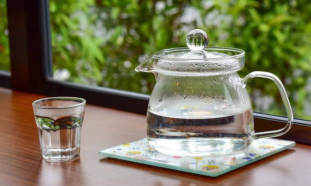 گرم پانی کا استعمال وزن میں تیزی سے کمی لا سکتا ہے