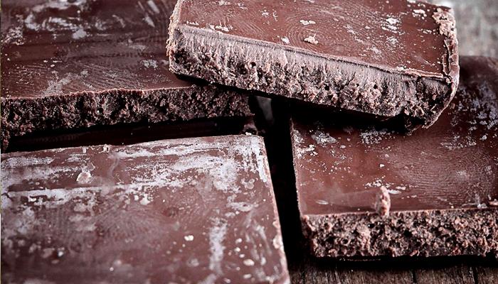 کراچی: زائد العمیاد چاکلیٹ، کمپنی سیل، 3 لاکھ روپے جرمانہ