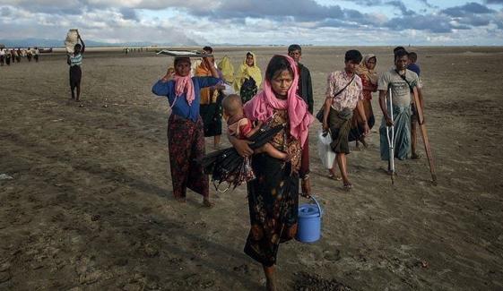 روہنگیا پناہ گزینوں کی پرخطر جزیرے منتقلی کا فیصلہ
