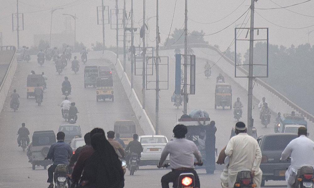 کراچی، صبح کے وقت کہر چھائے رہنے کا امکان