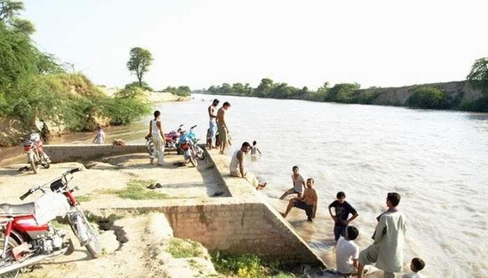 باپ کی بچوں کو نہر میں پھینکنے کی وجہ کیا بنی ؟