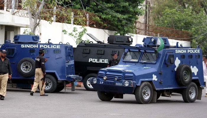 کراچی ڈیفنس پولیس مقابلہ: اہلکاروں کے خلاف کارروائی کا مطالبہ