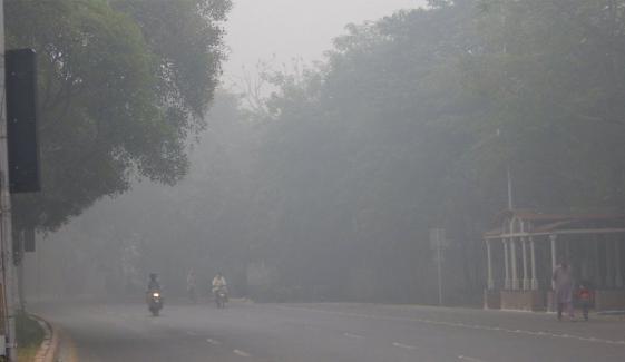 پنجاب میں دھند کا راج، حدِنگاہ 100 میٹر