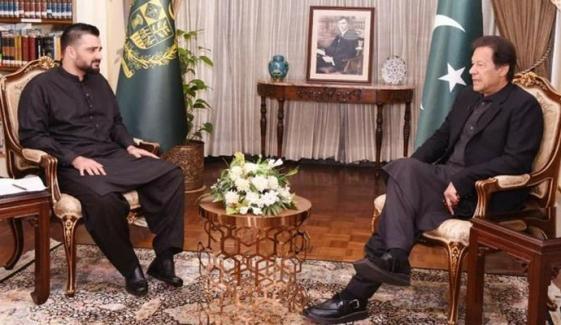 حمزہ عباسی، عمران خان سے کب ملے؟