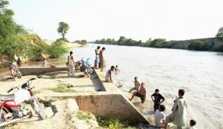 قصور، ایک شخص نے اپنے5 بچوں کو نہر میں پھینک دیا