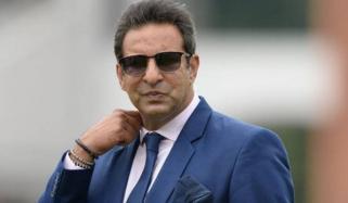 قومی کھلاڑی مشکل میں ہیں، وسیم اکرم