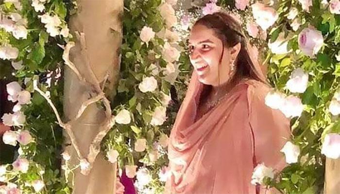 بختاور نے محمود کو منگنی پہنانے کی ویڈیو شیئر کردی