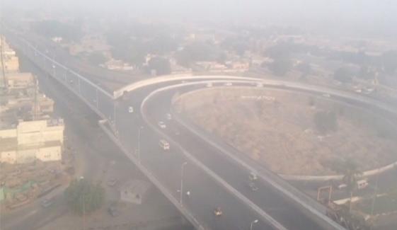 کراچی میں صبح سویرے دھند کا راج