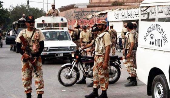 کراچی :رینجرز کی مختلف کارروائیوں میں 21 ملزمان گرفتار