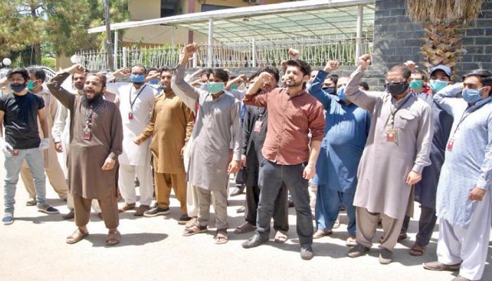 راولپنڈی: میٹرو ملازمین نے ایک بار پھر ہڑتال کردی