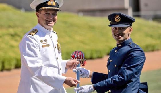 پاکستانی پائلٹ آفیسر کیلئےانٹرنیشنل ٹرینی اعزازی شمشیر کا اعزاز