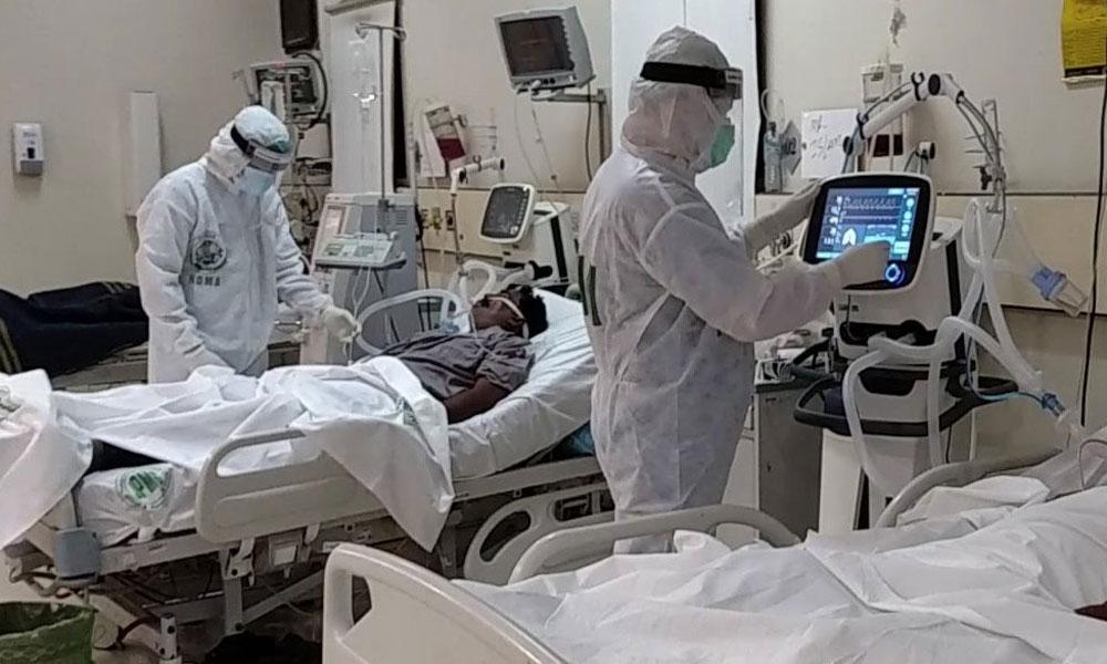 کراچی میں مزید 3 ڈاکٹرز کورونا وائرس سے انتقال کرگئے