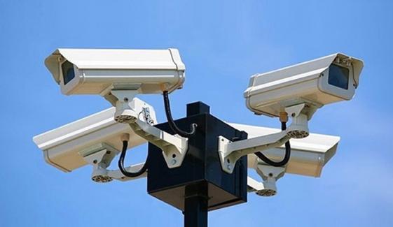 کراچی میں 10 ہزار کیمرے لگانے کا فیصلہ
