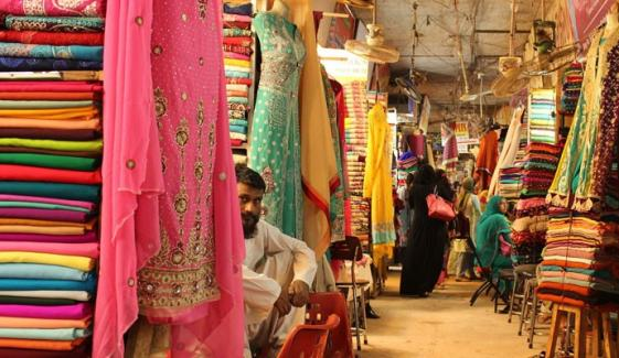 کراچی: SOPs کی خلاف ورزی پر مینا بازار سیل