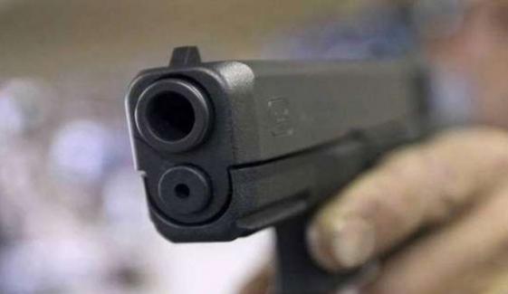 پشاور میں فائرنگ، 2 افراد جاں بحق، 2 زخمی