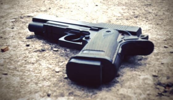 کراچی: مبینہ مقابلہ، 1 ڈاکو ہلاک، 1 فرار، 3 گرفتار