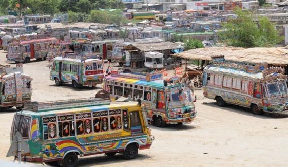 کراچی: 40 فیصد شہریوں کی ترجیح پبلک ٹرانسپورٹ
