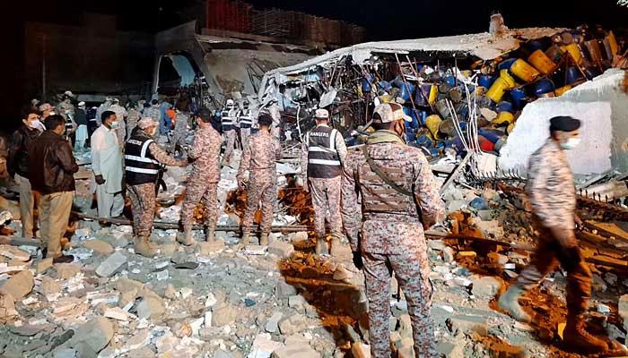 کراچی میں بوائلر پھٹنے سے ہلاکتیں 8 ہوگئیں