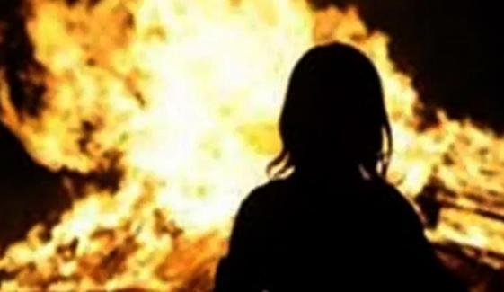 گوجرانوالہ، جھگڑے پر شوہر نے بیوی کو آگ لگا دی
