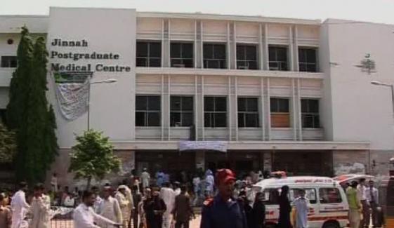 کراچی، جناح اسپتال کے قریب لائن سے پانی کی چوری کا سراغ مل گیا