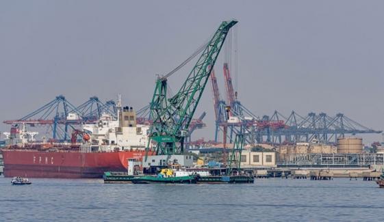 کراچی: بحری جہاز سے سویابین کی منتقلی کا عمل رکوادیا گیا