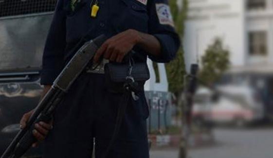 کراچی، سیکیورٹی گارڈ کی فائرنگ سے 8 سالہ بچہ زخمی